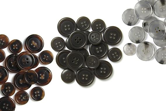 assortimenti di bottoni