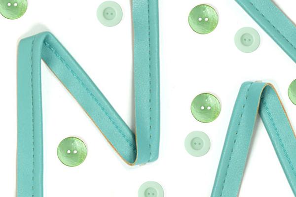 Accesorios de costura en tonos pastel
