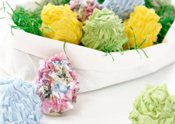 Neue Nähanleitungen bei stoffe.de: Rüscheneier und Ringkissen
