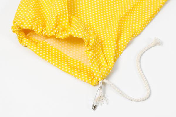Kostenlose Nähanleitung: Wäschesack für Reisen oder Zuhause - wie fädle ich eine Kordel ein?