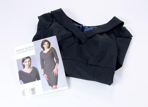 Schnittmuster des Monats: Vogue V1254, Designer Kay Unger