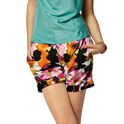 Nuovi e originalissimi motivi floreali nel nostro negozio online.