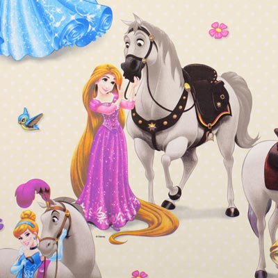 Disney Princesses & Horses – light yellow