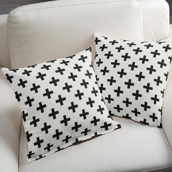 tissu de d coration triangles noir blanc tissus pour rideaux. Black Bedroom Furniture Sets. Home Design Ideas