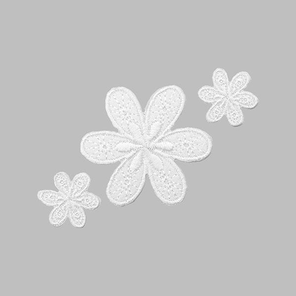 Applikation Blumen – weiss