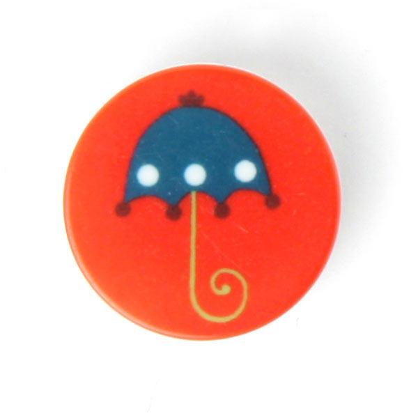 Roter Kunststoffknopf mit Regenschirm