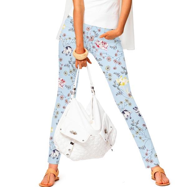 Pantalon en coton stretch fleurs d'été – bleu ciel