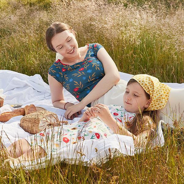 GOTS Baumwolljersey Aquarell Blumengarten | Tula – weiss