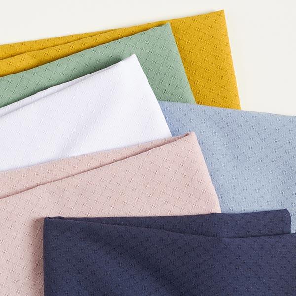 Tissu en coton léger ajour losanges – bleu clair