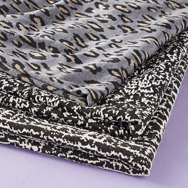 Jacquard jersey tissu à fleurs – noir/blanc