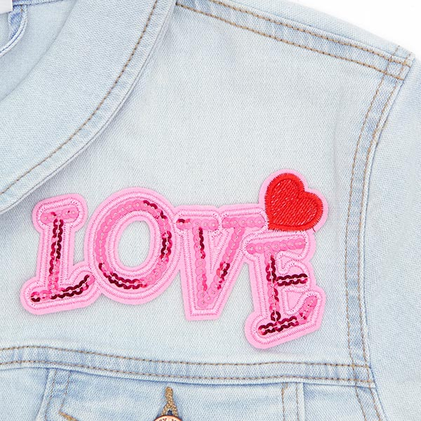 Patch LOVE  (13,0 x 7,4 cm)