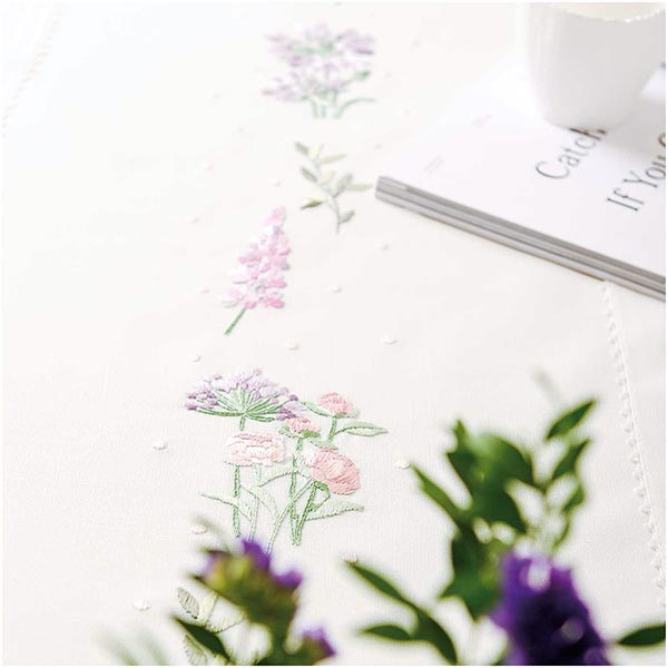 Kit Broderie Couronne de fleurs Chemin de table [40X150 cm]